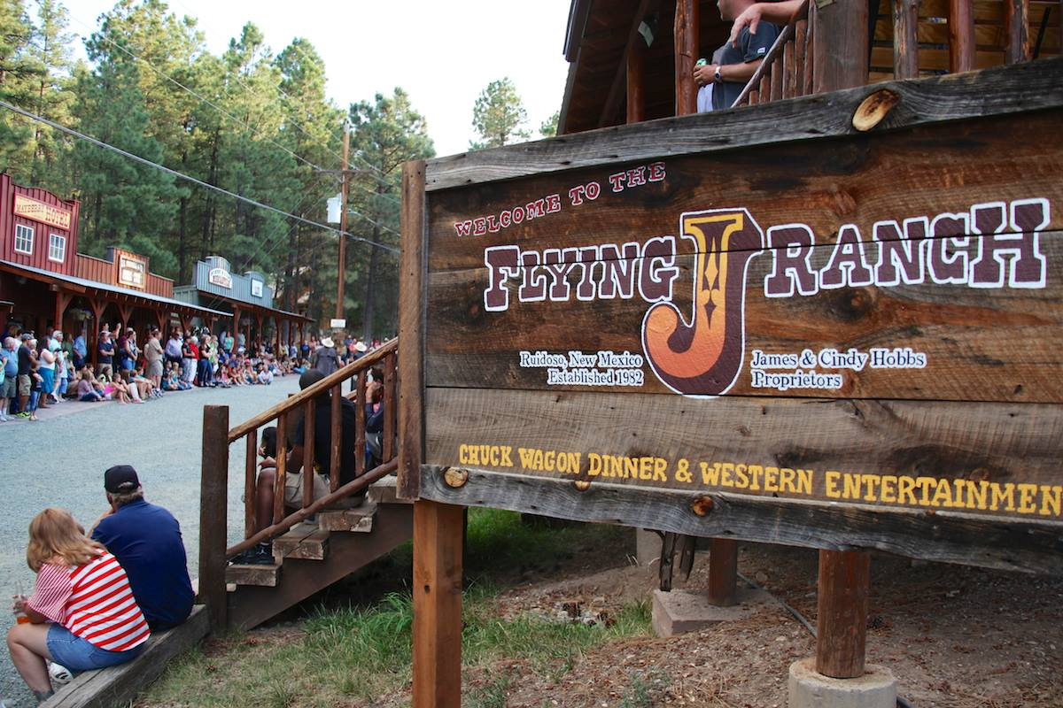 Open Range Rv >> The Flying J Ranch Chuckwagon Supper and Western Show